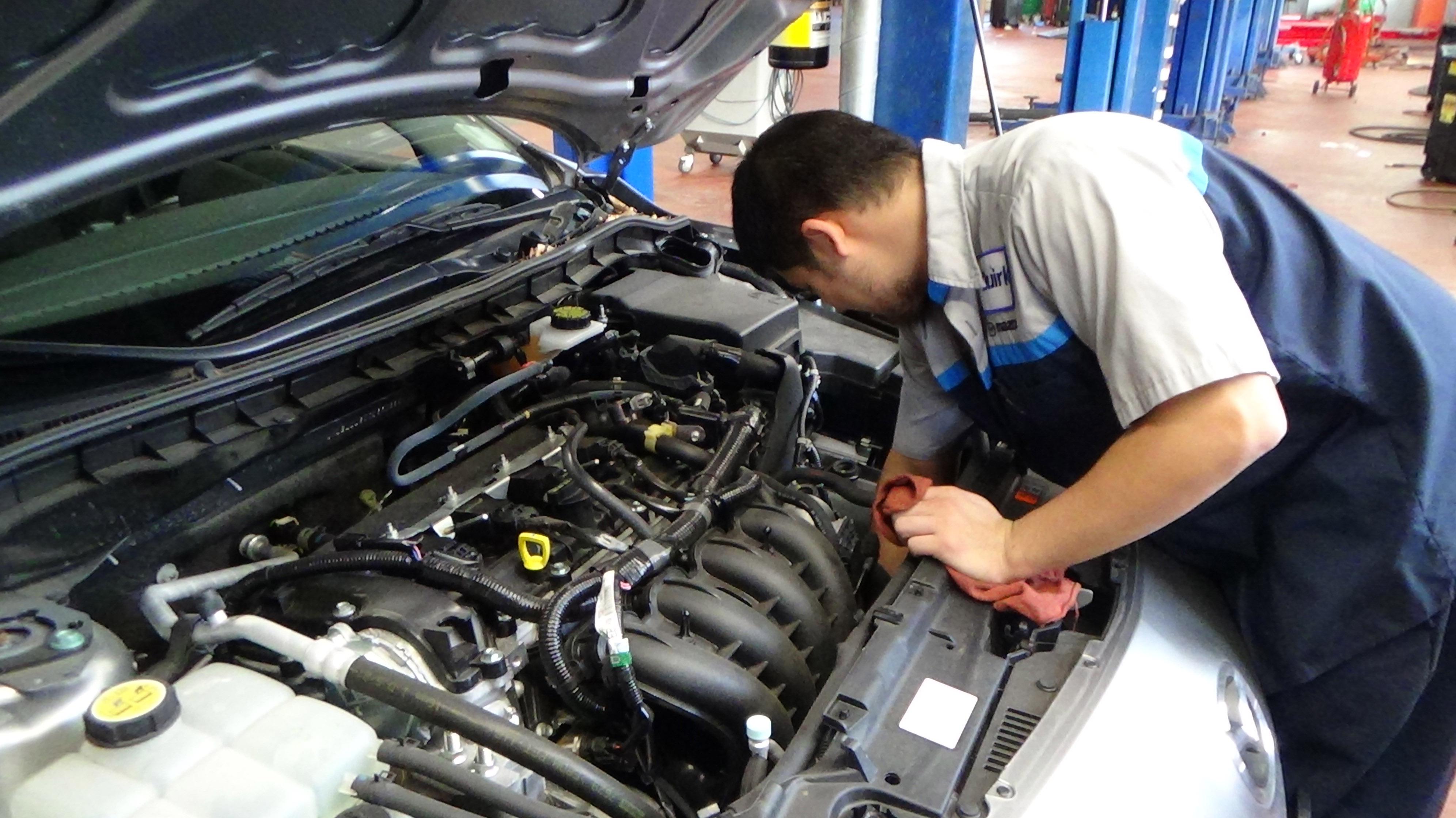Обслуживание двигателя автомобиля